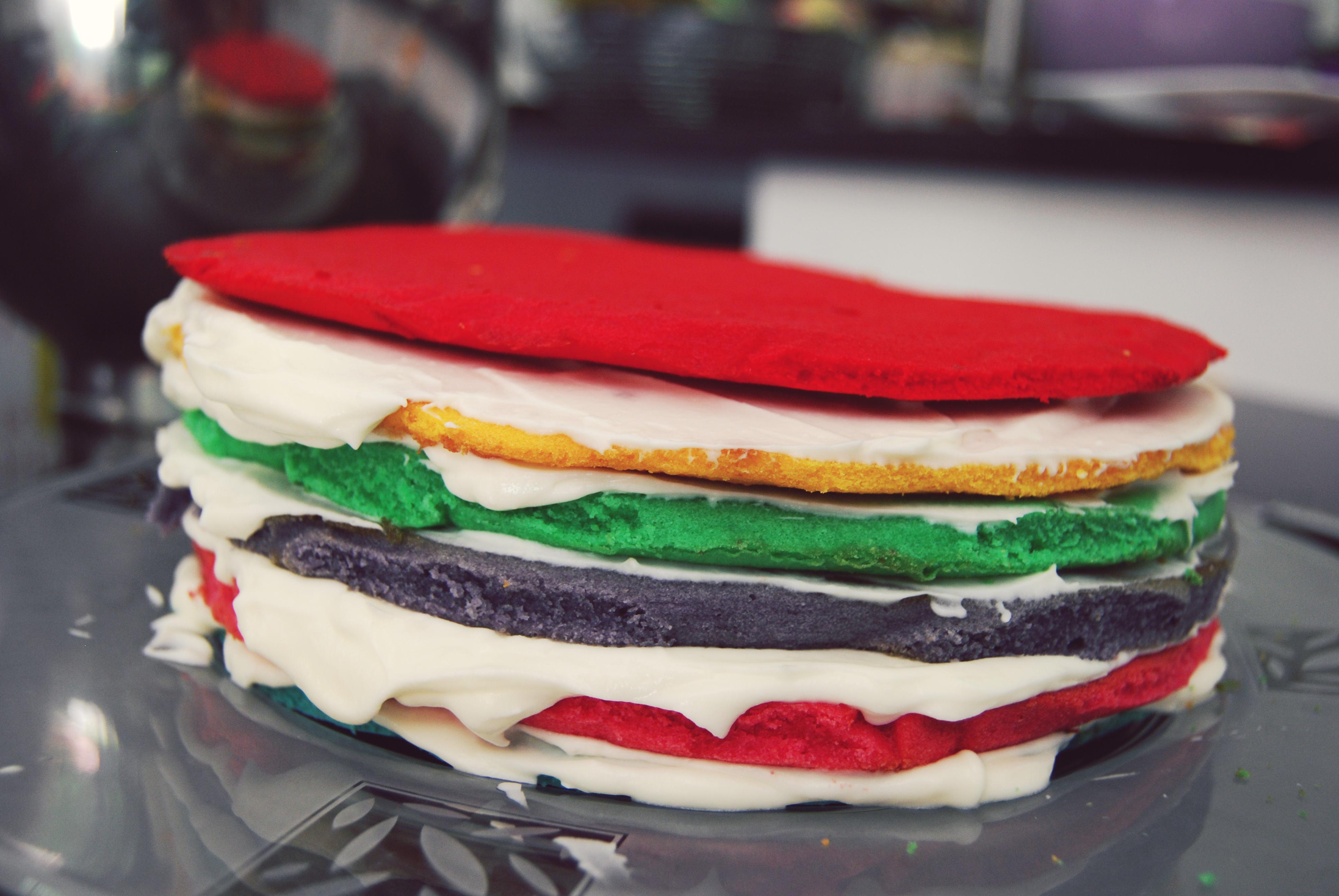 Rainbow Cake Mascarpone Philadelphia
