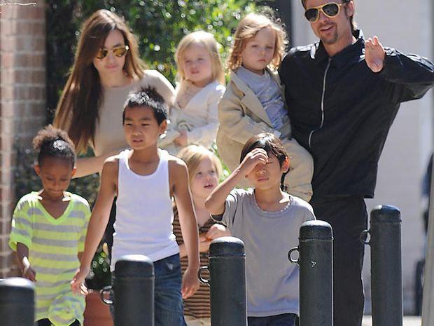 brad-pitt-angelina-jolie-et-leurs-enfants
